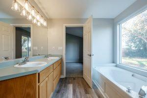 Elk Ridge Remodeling - Bathroom 09